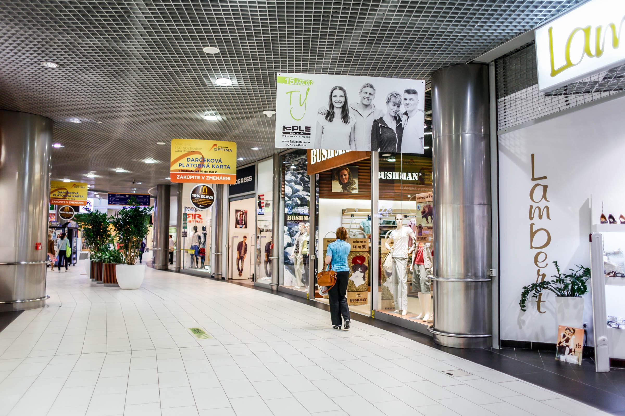 3PLE CENTRUM - reklamné plagáty v OC Atrium Optima Košice 2
