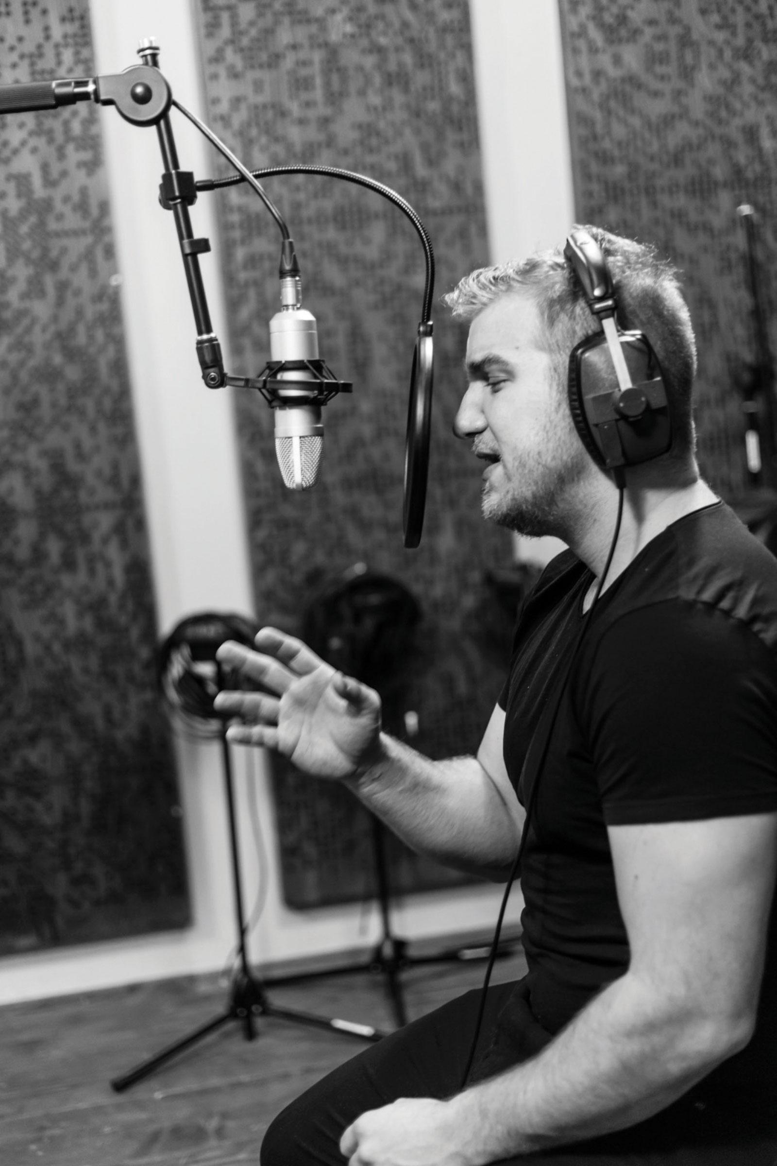 Spevák Lukáš Adamec - nahrávanie albumu