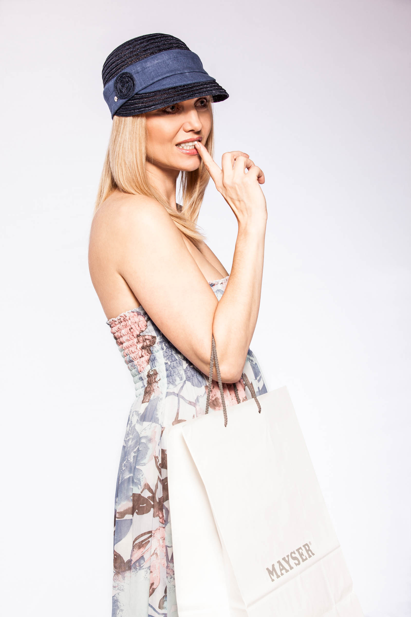 Mayser - reklamná fashion fotografia - pani v klobúku